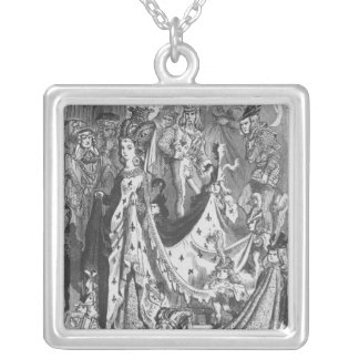 A queen silver plated necklace