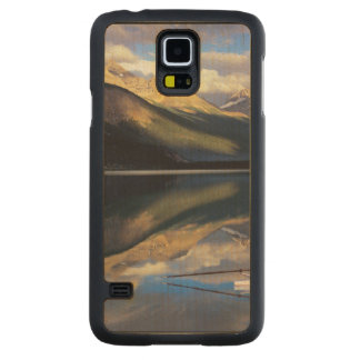 A rower on Banff Lake in the Canada MR) Carved Maple Galaxy S5 Case