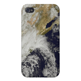 A series of strong storms with fierce winds 2 iPhone 4 cover