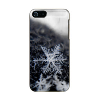 A single snowflake on stands out incipio feather® shine iPhone 5 case