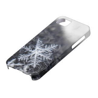 A single snowflake on stands out iPhone 5 cases
