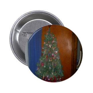 A Small Artificial Christmas Tree with Presents 6 Cm Round Badge
