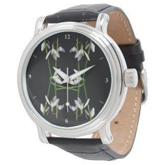 A Snowdrop Daisy Chain Watch