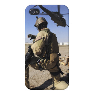A soldier conducts security for an HH-60 iPhone 4/4S Cover