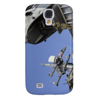 A soldier fast-ropes galaxy s4 case