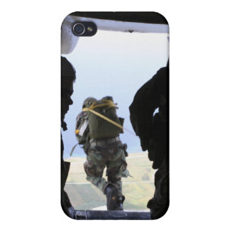 A Soldier performs a static-line jump iPhone 4/4S Cover