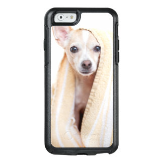 A Tan And White Chihuahua Sits Under A Towel OtterBox iPhone 6/6s Case