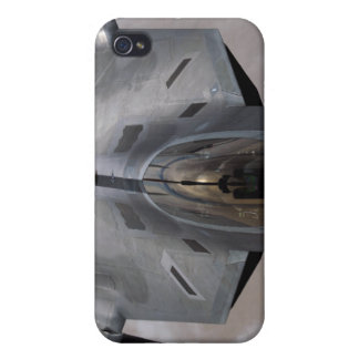 A US Air Force F-22 Raptor is refueled iPhone 4/4S Case