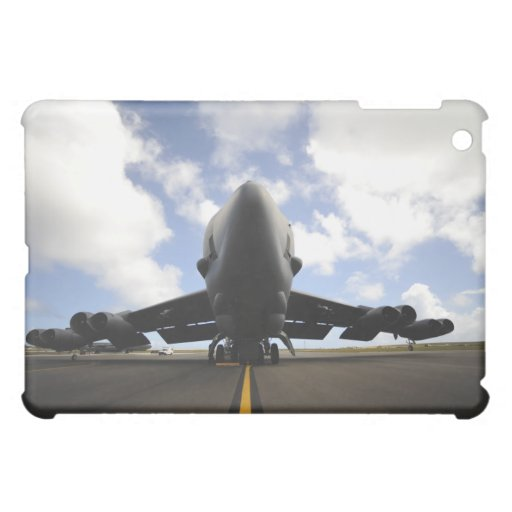 A US Air Force maintenance crew iPad Mini Cases