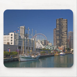 A view of Chicago's Navy Pier 2 Mouse Mat