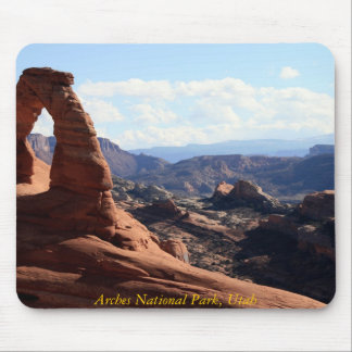 A view of Delicate Arch, Arches National Park, ... Mouse Mat