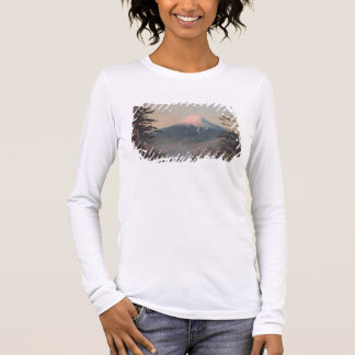 A View of Mount Fusiyama with Figures in the Foreg Long Sleeve T-Shirt