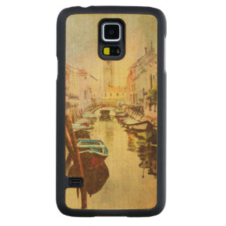 A View Of The Canal With Boats And Buildings Carved Maple Galaxy S5 Case