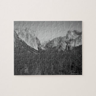 A view of the Yosemite Valley in Yosemite Jigsaw Puzzle