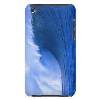 a wave crashing iPod touch Case-Mate case