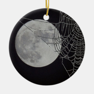 A world Wide Web Round Ceramic Decoration