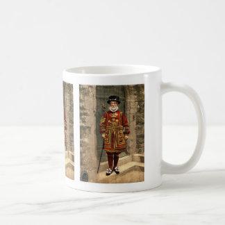A yoeman of the guard (Beefeater), London, England Mugs