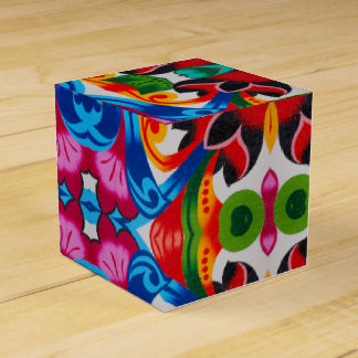 Abstract flowers favour box