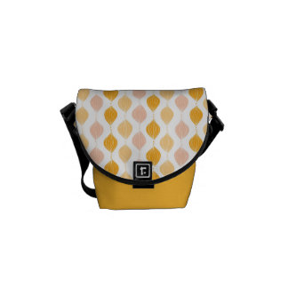 Abstract golden ogee pattern background messenger bag