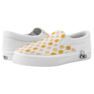 Abstract golden ogee pattern background Slip-On shoes