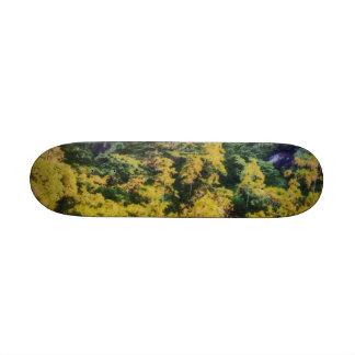 Abundant greenery 18.1 cm old school skateboard deck