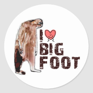 Adorable! I LOVE <3 BIGFOOT design Finding Bigfoot Round Sticker