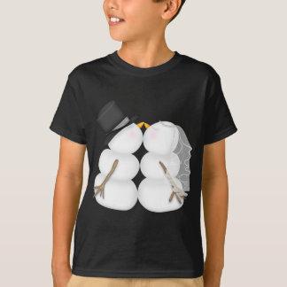 Adorable Kissing Snowman Couple T-Shirt