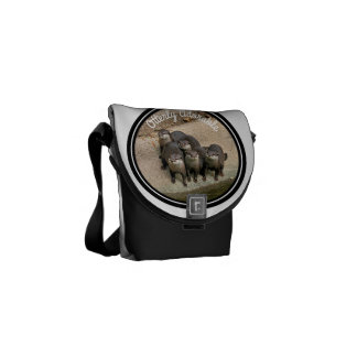 Adorable Otters Family | Cute Wildlife Photo Messenger Bag