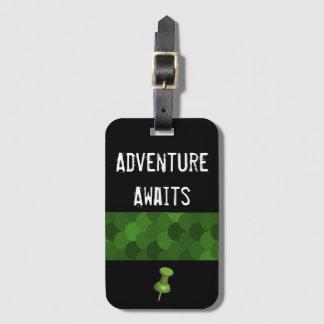 Adventure Awaits - black Luggage Tag
