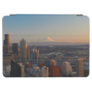 Aerial view of Seattle city skyline 2 iPad Air Cover