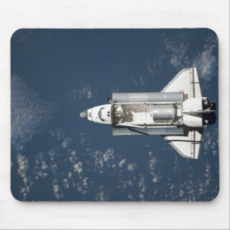 Aerial view of Space Shuttle Discovery 3 Mouse Mat