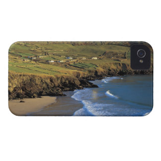 aerial view of waves washing up against a iPhone 4 Case-Mate cases