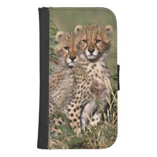 Africa; Kenya; Masai Mara; Three cheetah cubs Samsung S4 Wallet Case