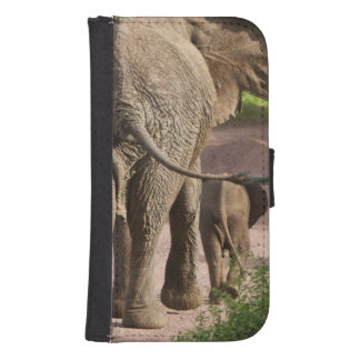 Africa. Tanzania. Elephant mother and calf at Samsung S4 Wallet Case