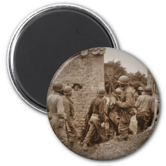 African American Servicemen Clearing Buildings 6 Cm Round Magnet