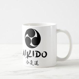 Aikido Mitsudomoe Symbol Basic White Mug