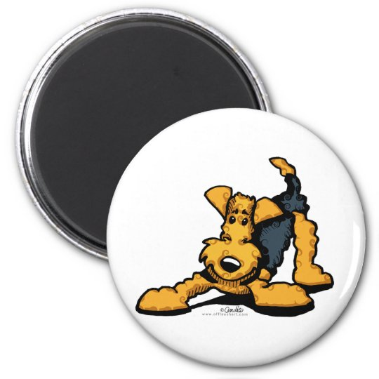 Airedale Terrier at Play 6 Cm Round Magnet