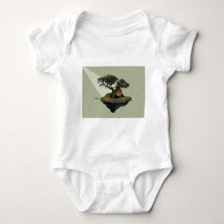 ajmal-938317.jpg t-shirts