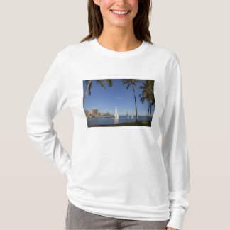 Ala Moana Beach Park, Waikiki, Honolulu 2 T-Shirt