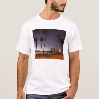 Ala Moana Beach Park, Waikiki, Honolulu T-Shirt