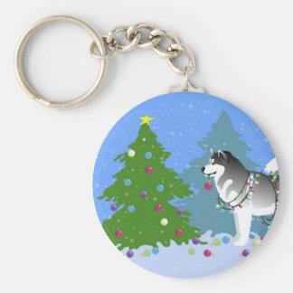 Alaskan Malamute Decorating Christmas Tree Basic Round Button Key Ring