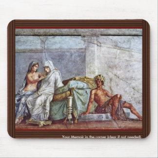 Aldobrandini Wedding Details: Bride Aphrodite And Mouse Pad