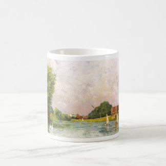 Alfred Sisley - Themse bei Hampton Court 1874 Basic White Mug