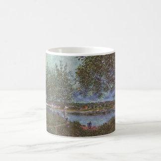 Alfred Sisley Weg der alten Fähre in By 1880 Coffee Mugs