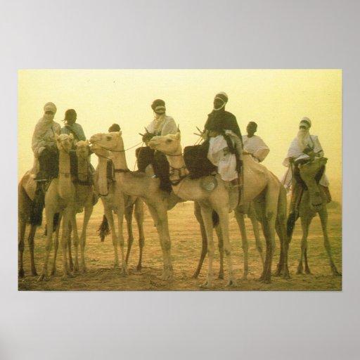 ALgeria, Camel riders in the desert Posters