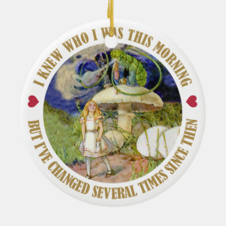 Alice in Wonderland - I Knew Who I Was This Mornin Round Ceramic Decoration