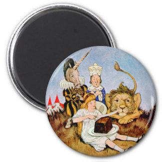 Alice Tells A Lion & Unicorn Cake Makes It Better 6 Cm Round Magnet
