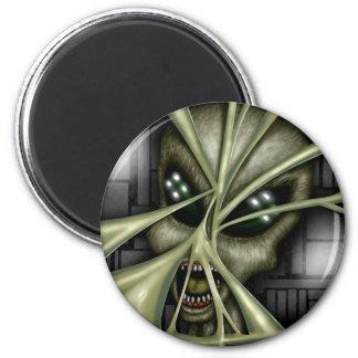 Alien Captive Magnet