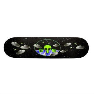 Alien Kilroy Skateboard