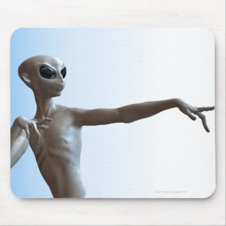 Alien Pointing Mouse Mat